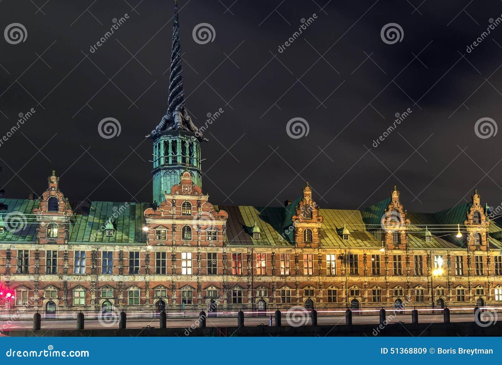 Borsen (de Beurs) In Avond, Kopenhagen Stock Afbeelding - Afbeelding ...