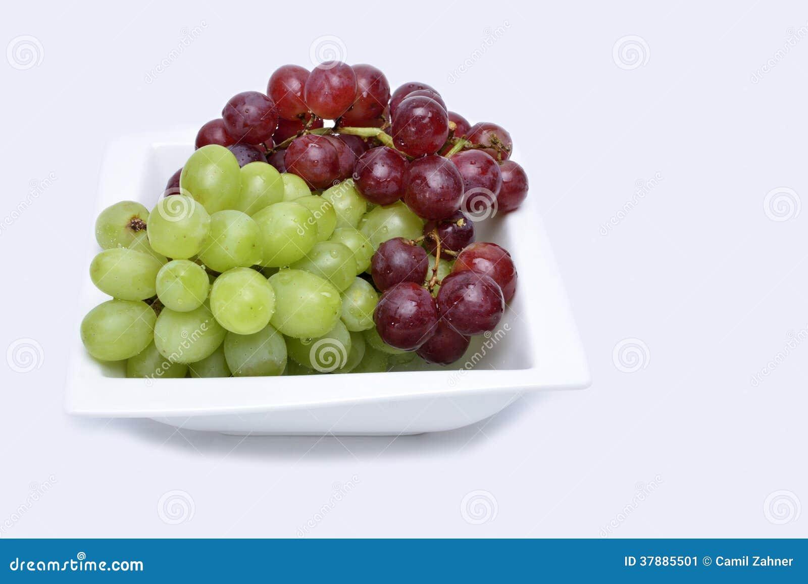 Bos van rode en groene druiven