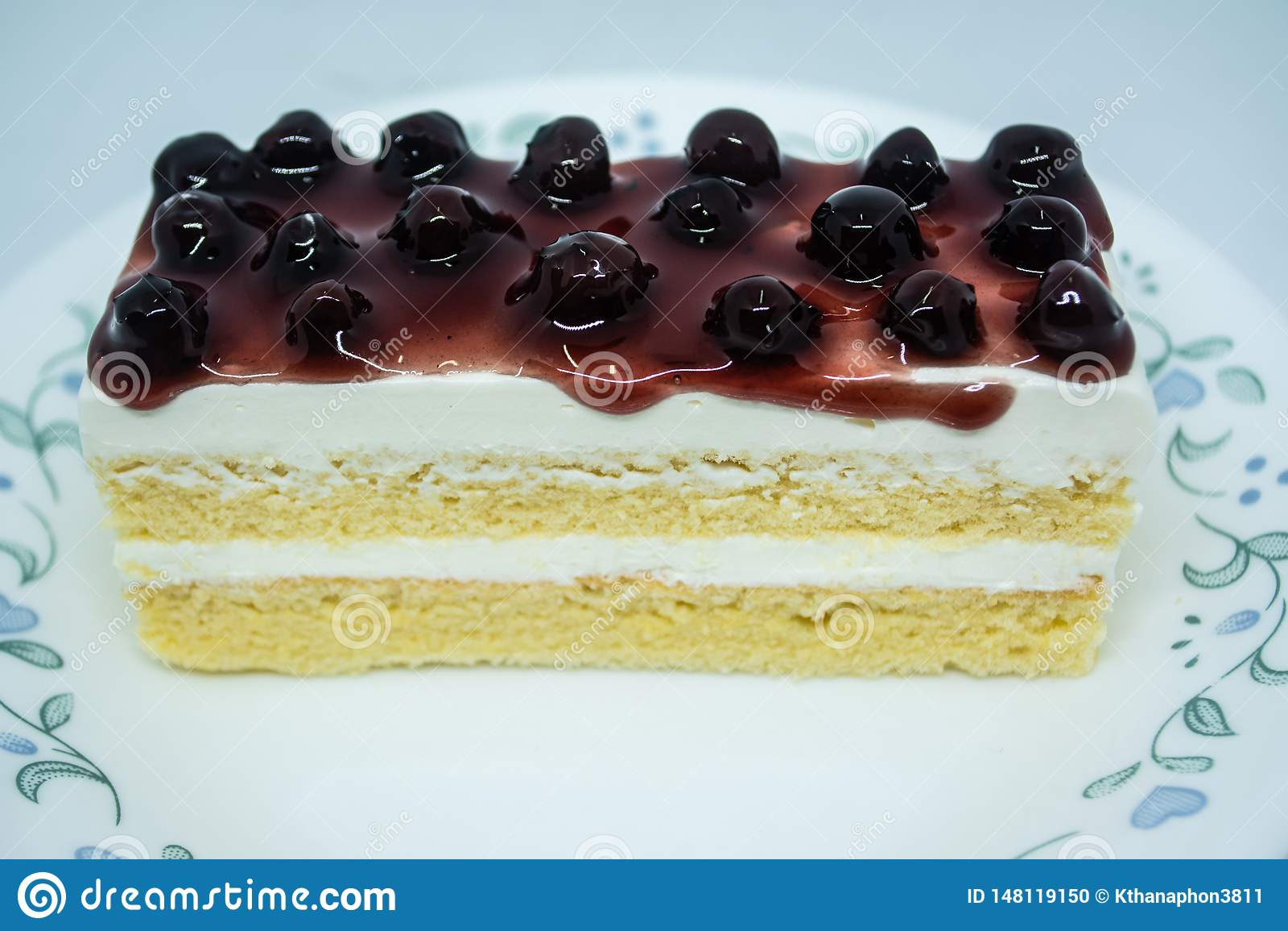 Bosbessen botercake, snacksvoedsel voor onderbrekingen tijdens het werk of na maaltijd