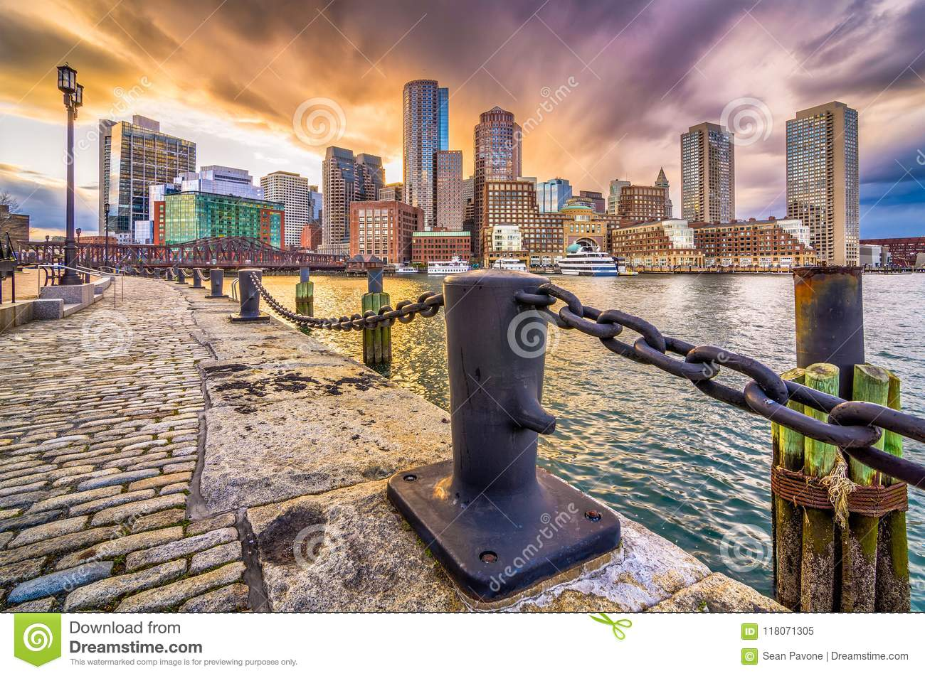 Boston, Massachusetts, port des Etats-Unis et horizon