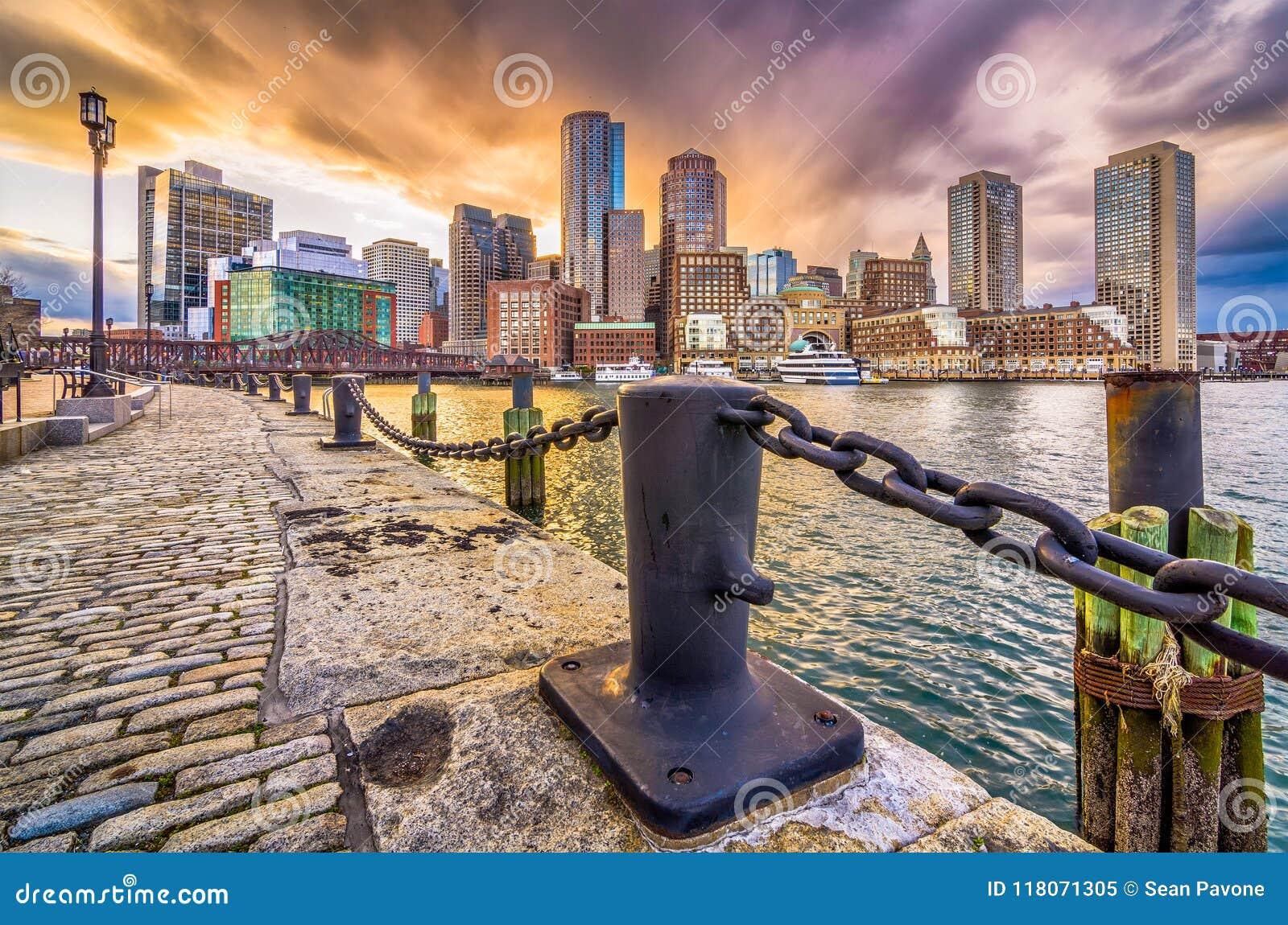 Boston, Massachusetts, puerto de los E.E.U.U. y horizonte