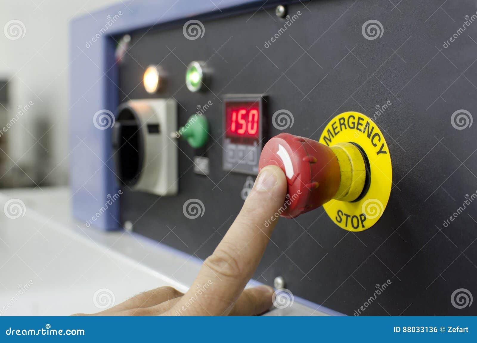 Botão da pressão de mão no painel de controle