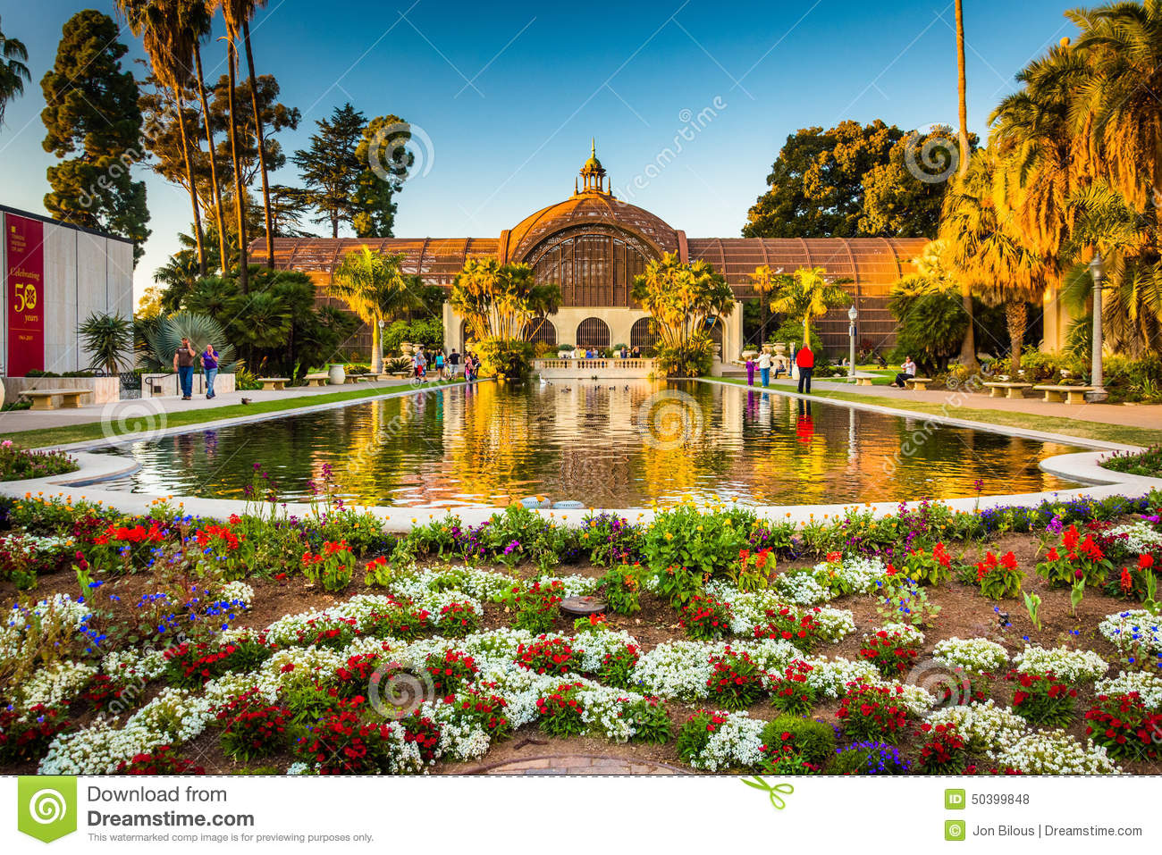 The Botanical Building And The Lily Pond, In Balboa Park, Editorial ...