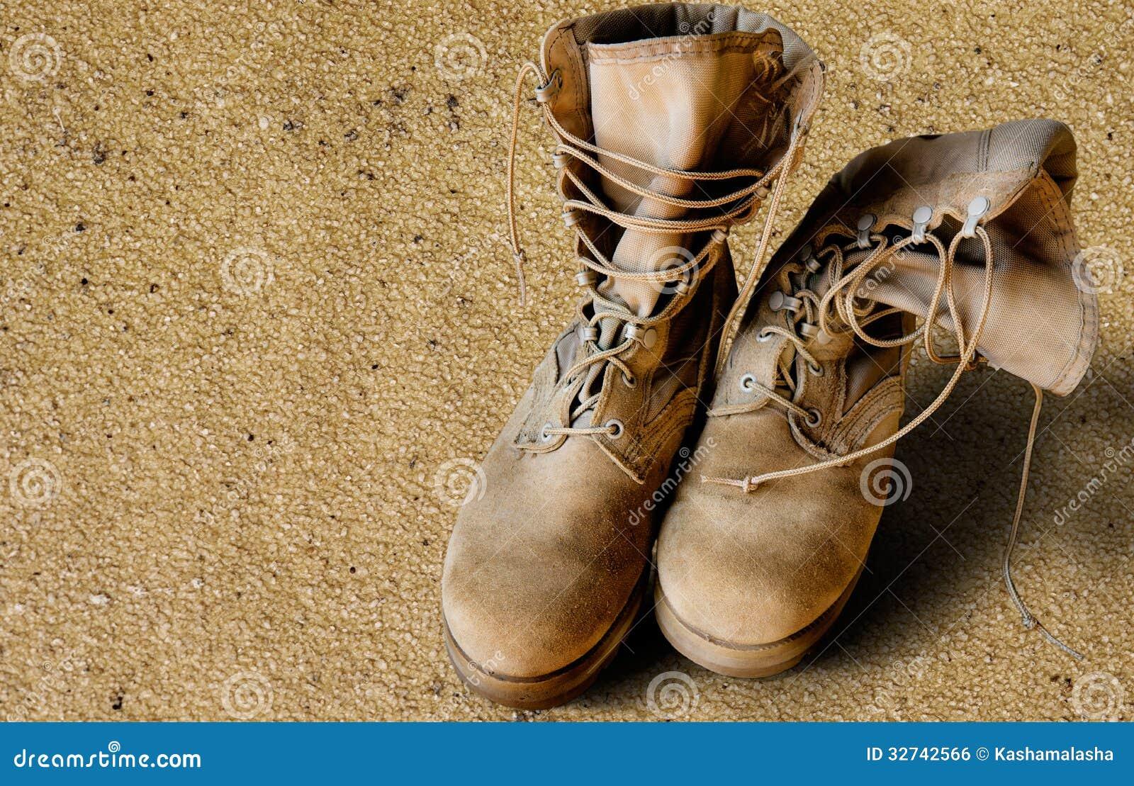 Botas do exército dos EUA na areia