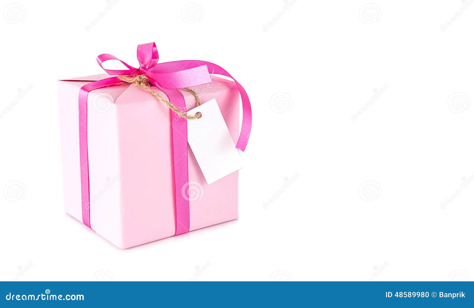 bo te cadeau rose avec l 39 tiquette vide sur le blanc photo stock image 48589980. Black Bedroom Furniture Sets. Home Design Ideas