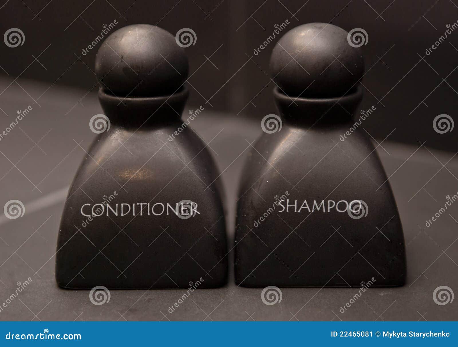 Botella de champú y de acondicionador