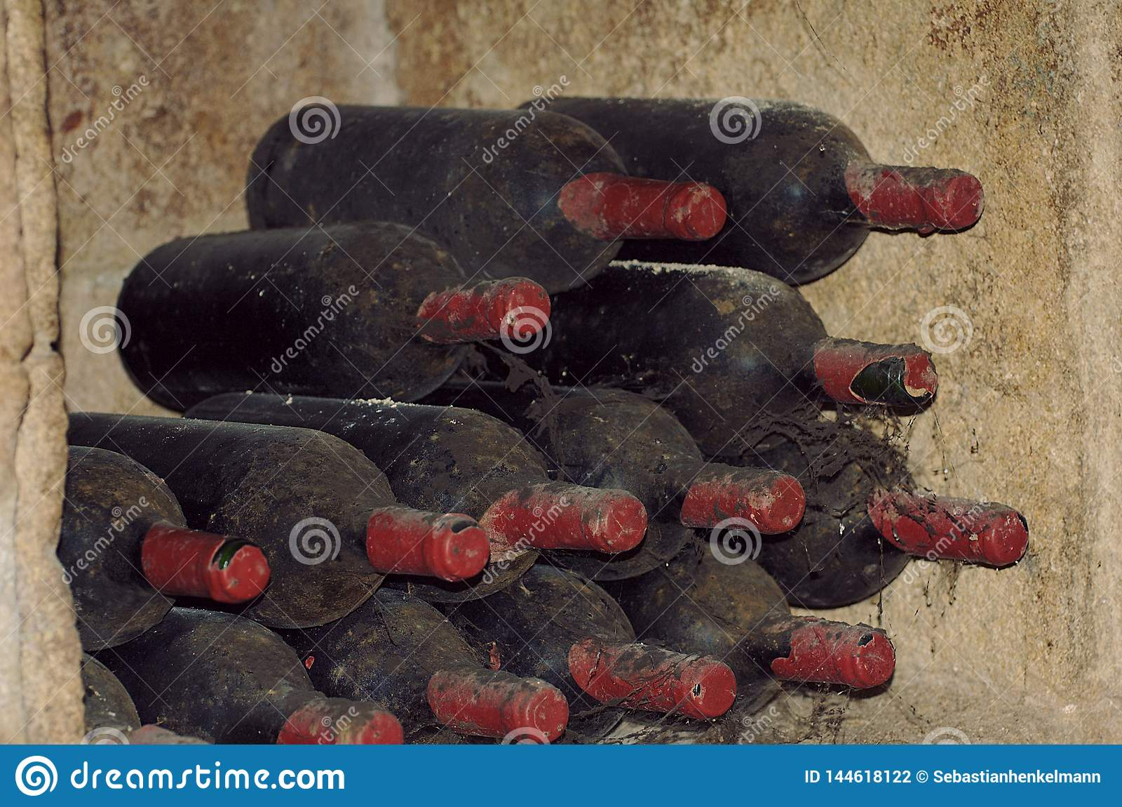 Botellas de vino muy viejas