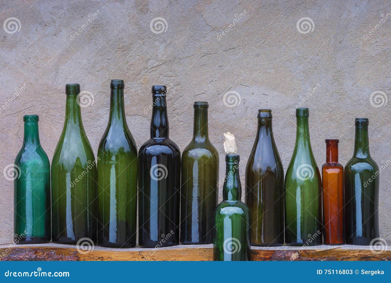 Botellas de vino viejas