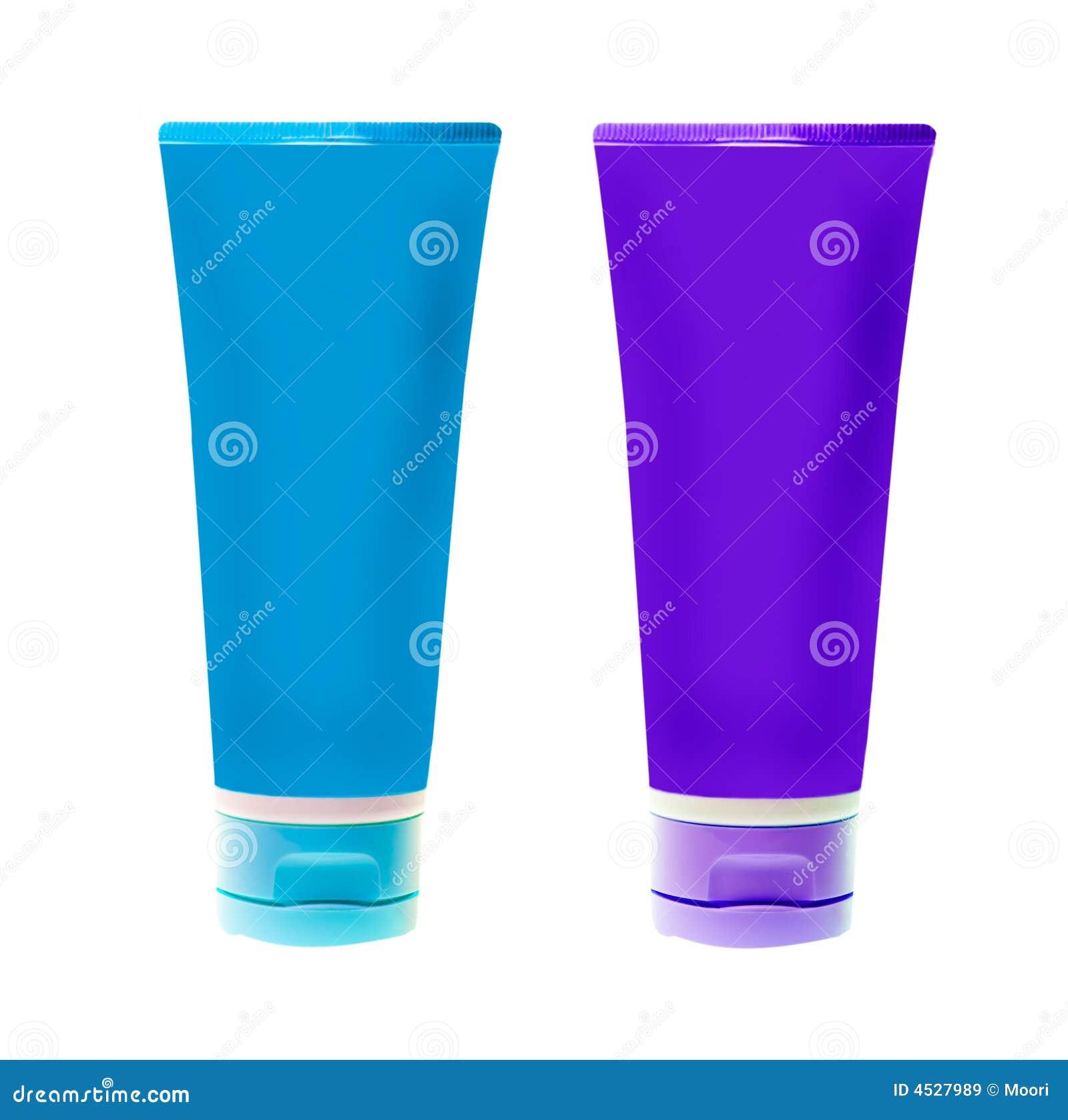Botellas plásticas sin nombre para el producto de belleza en el fondo