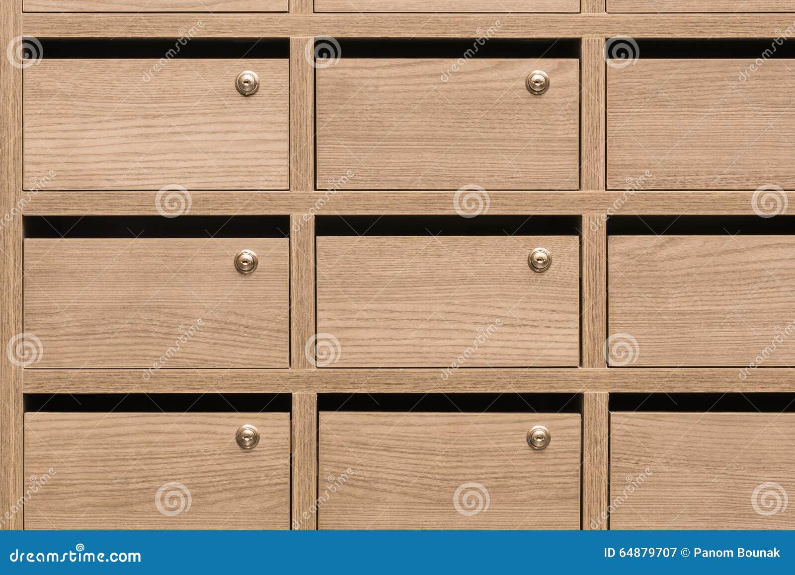 bo tes aux lettres en bois de casier postales photo stock image 64879707. Black Bedroom Furniture Sets. Home Design Ideas