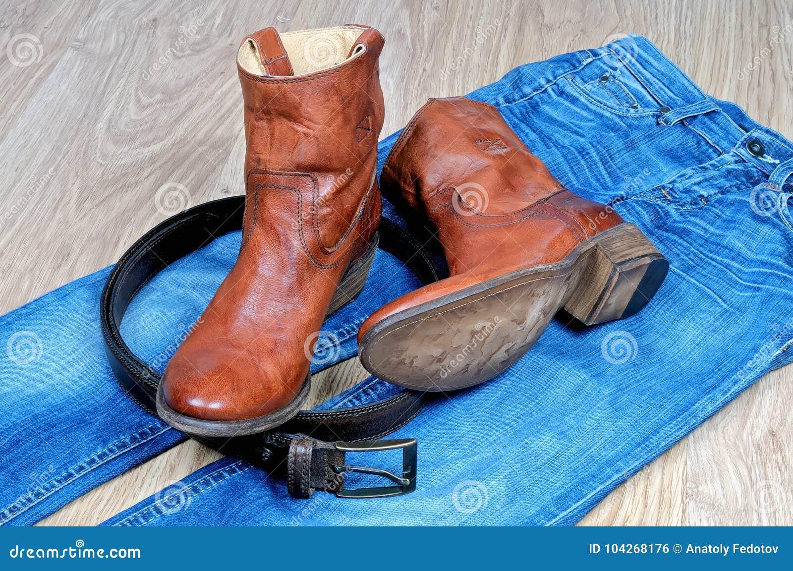 De Cuir Ceinture Cowboy En Des Et Blues Bottes Brunes Sur 5Rj4A3L