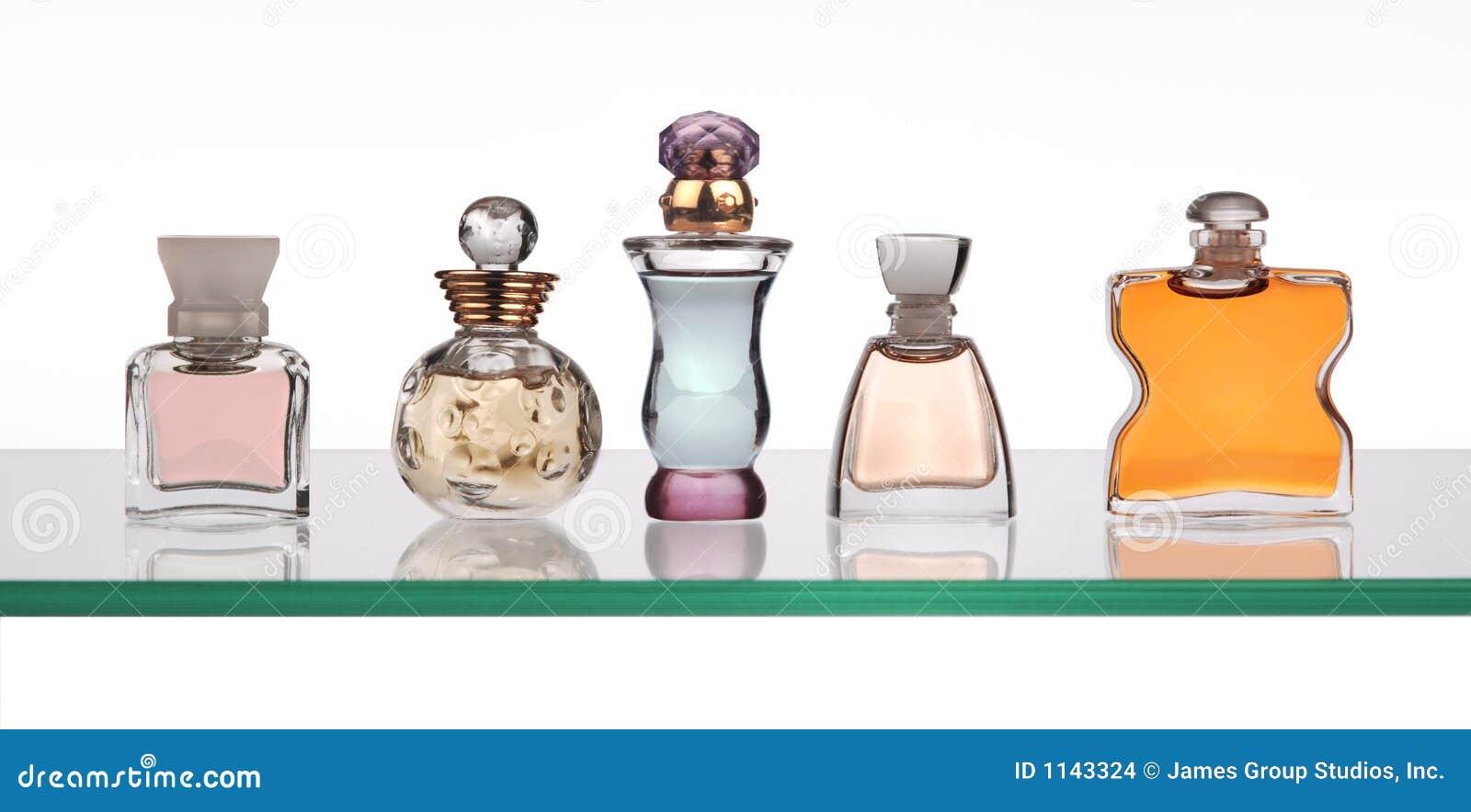 Bottiglie di profumo immagini stock immagine 1143324 for Botole per tetti prezzi