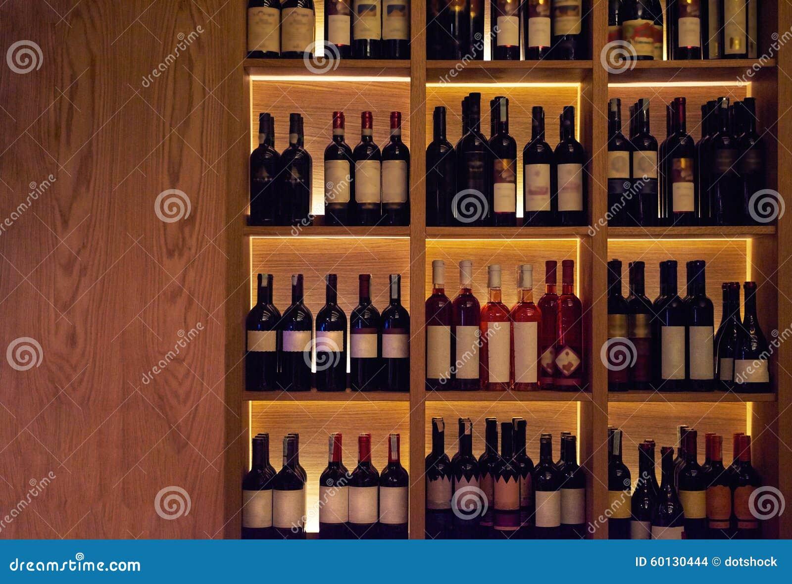 Ali scaffale per vino da vino moderno appeso a parete appeso a