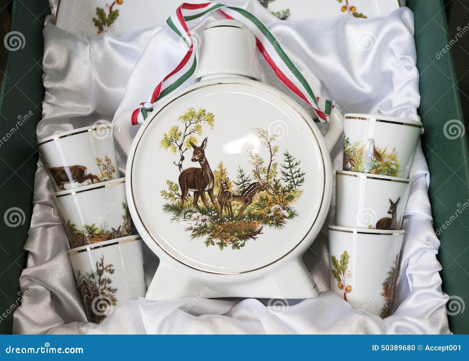 Bottl feito a mão do palinka da aguardente da porcelana dos presentes húngaros originais