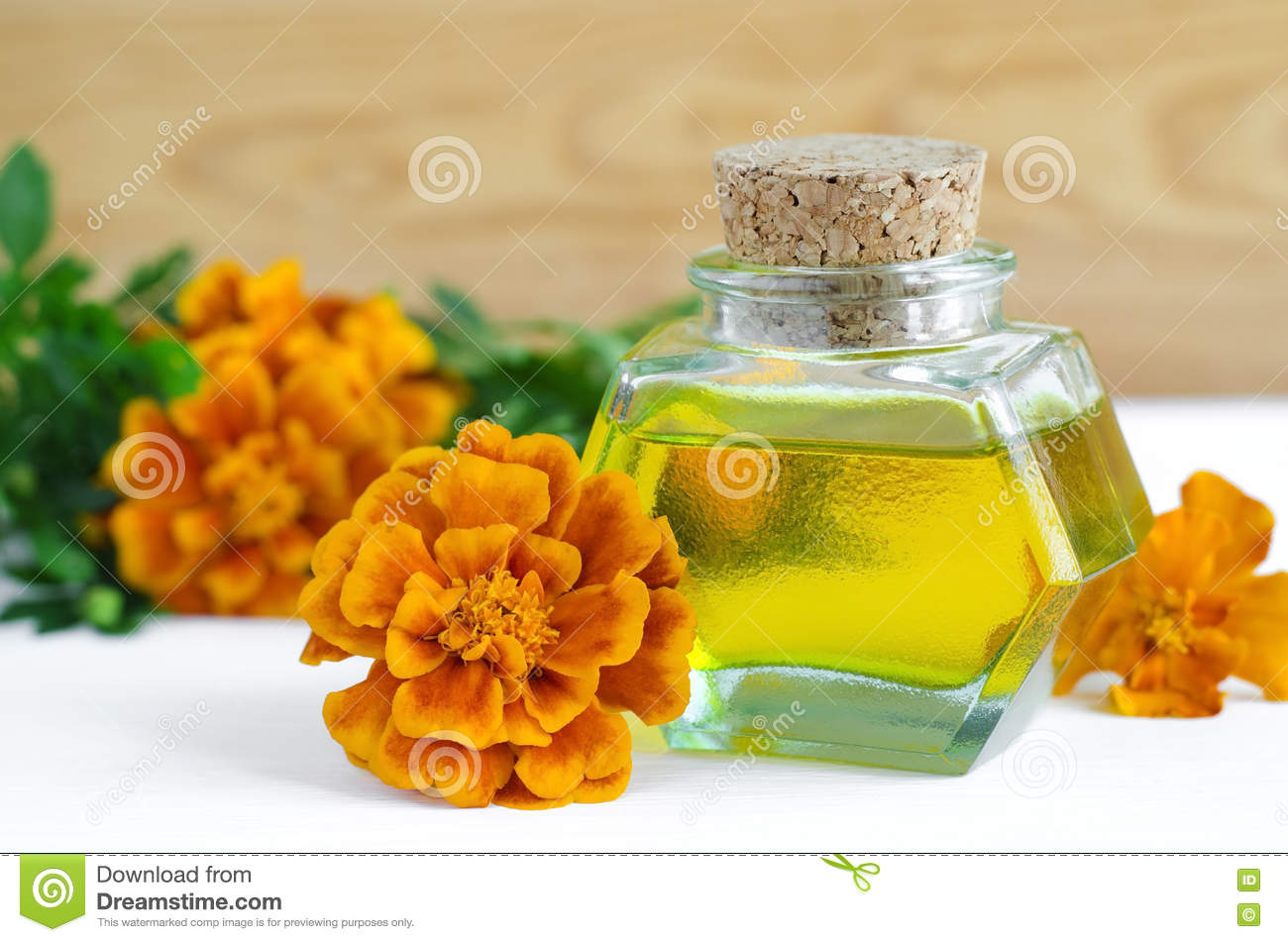 Tincture of calendula acne: reviews on the application. Does calendula tincture help acne 80