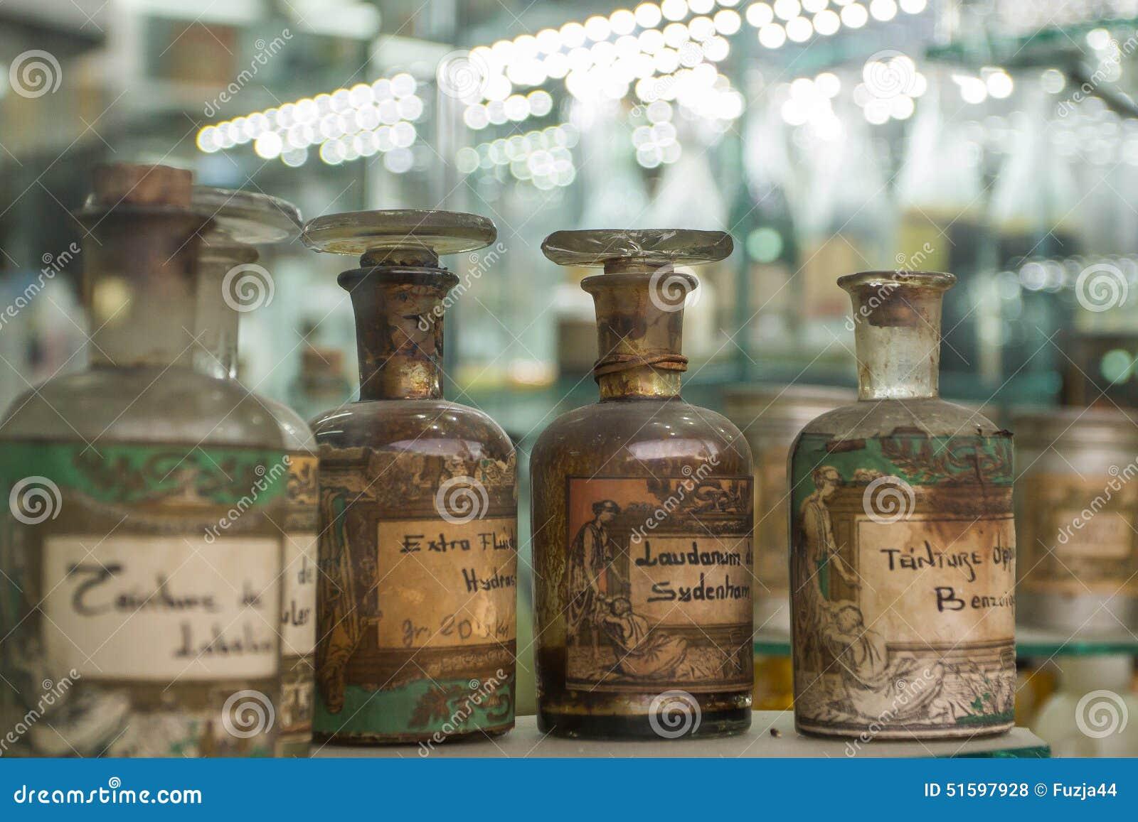Bottles gammalt apotek