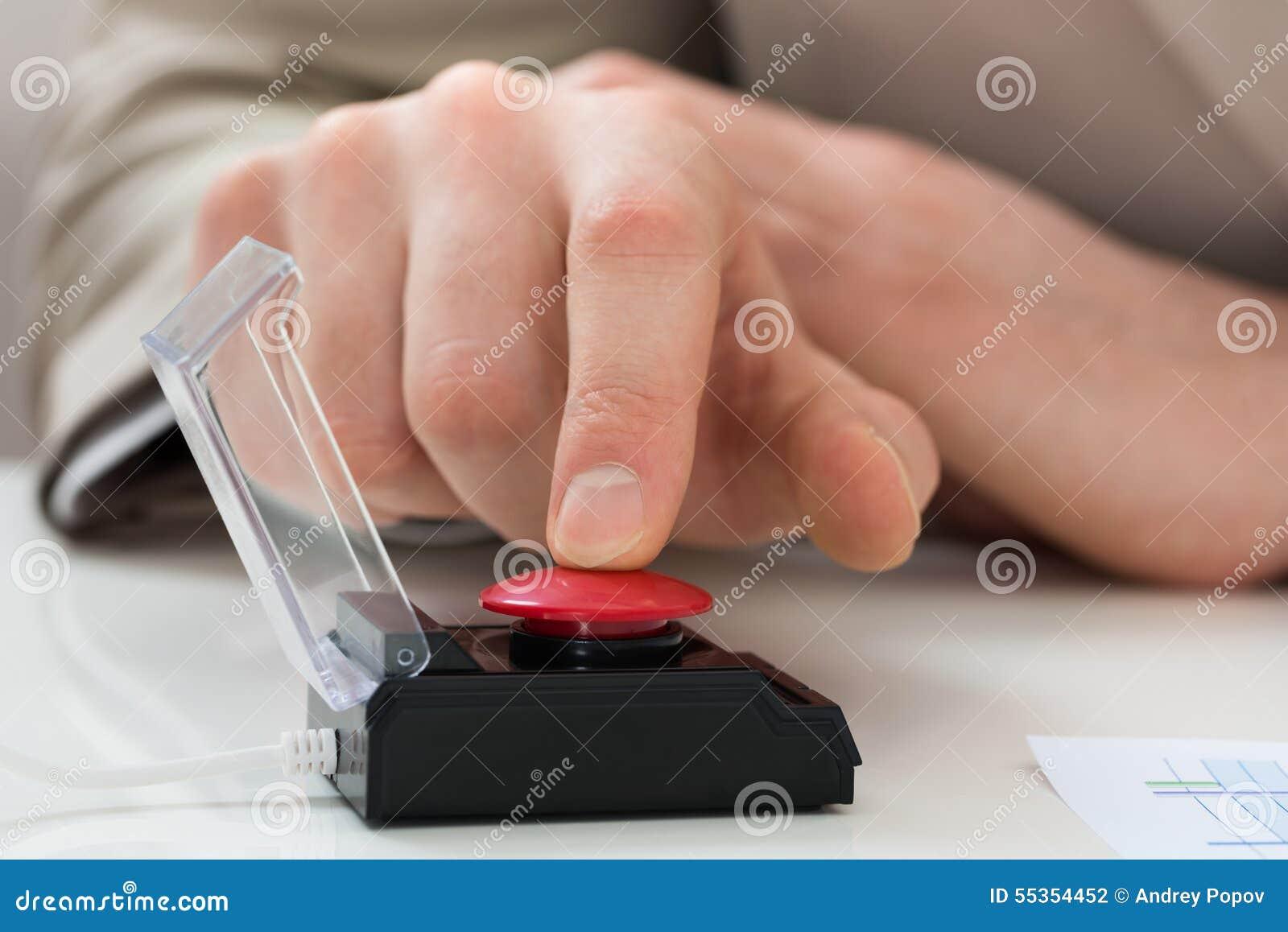 Bottone di emergenza di stampaggio a mano della persona di affari