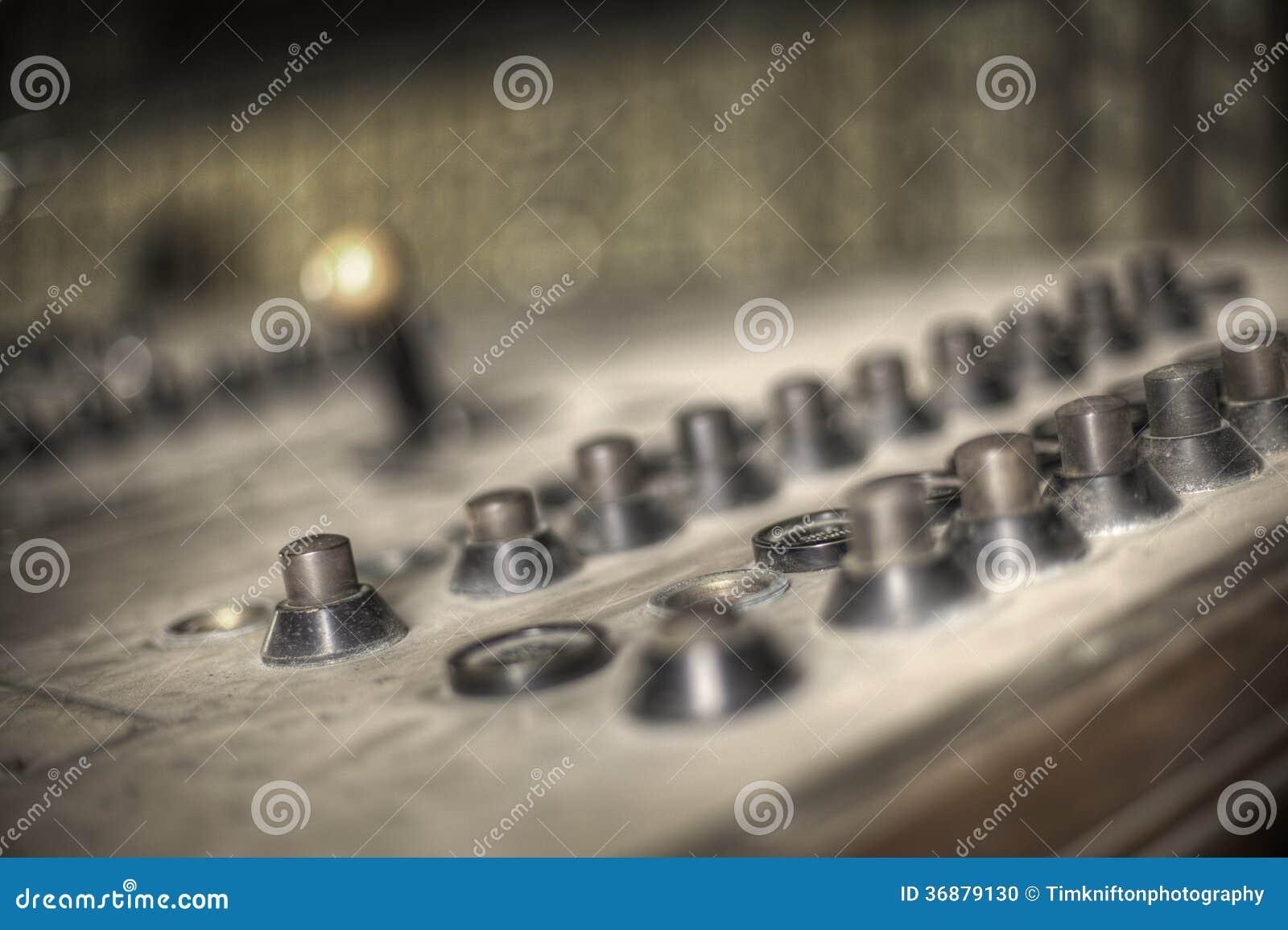 Download Bottoni illustrazione di stock. Illustrazione di comitato - 36879130