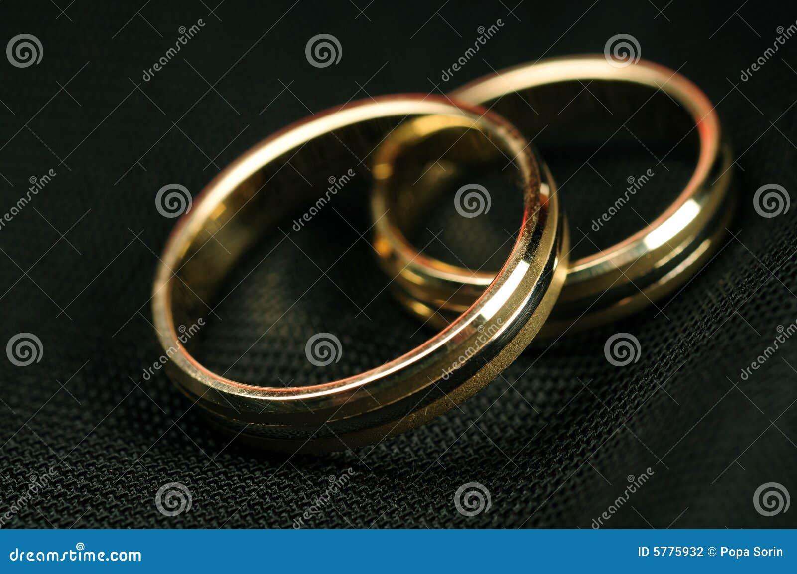 Boucles de mariage