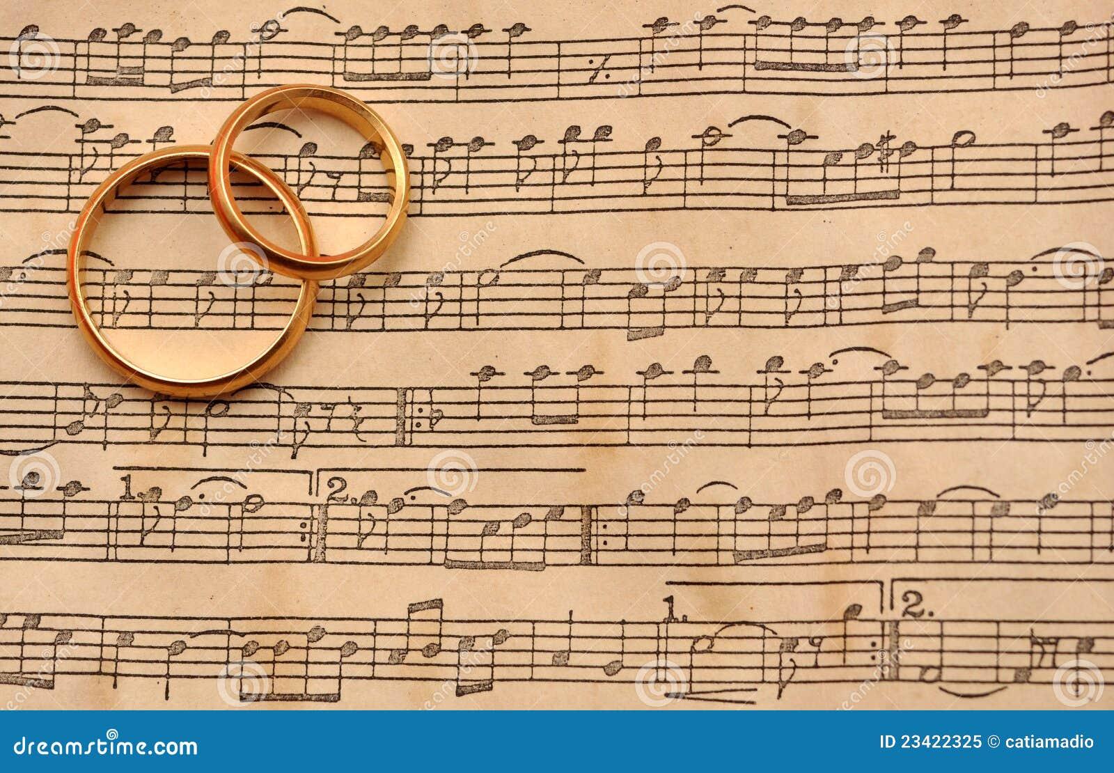 Boucles de mariage sur la musique