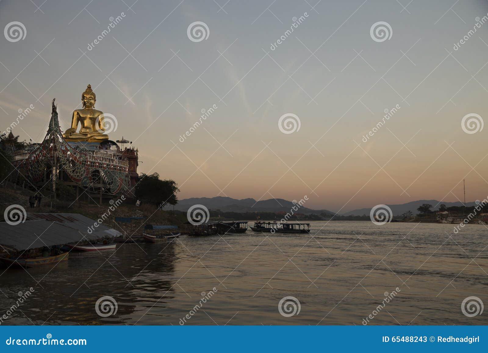 Bouddha d or à la concession Ruak