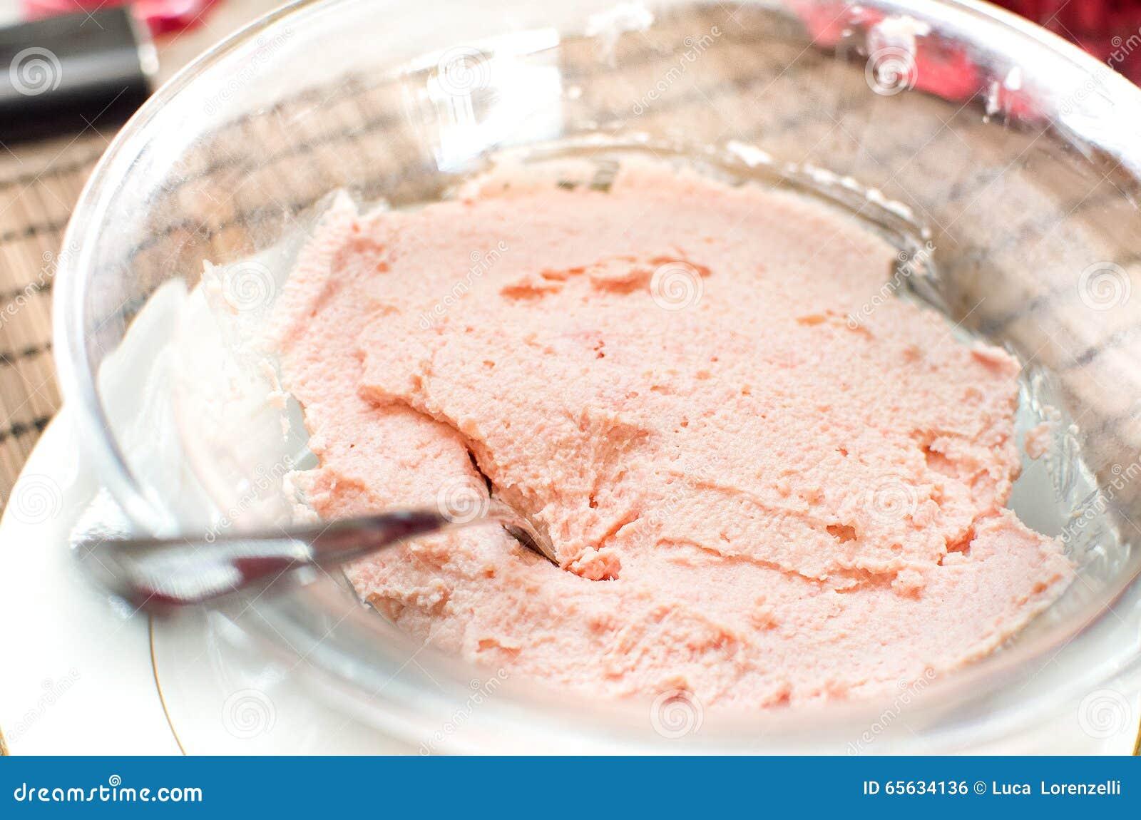 Boue rose de Bologna de mortadelle de mousse