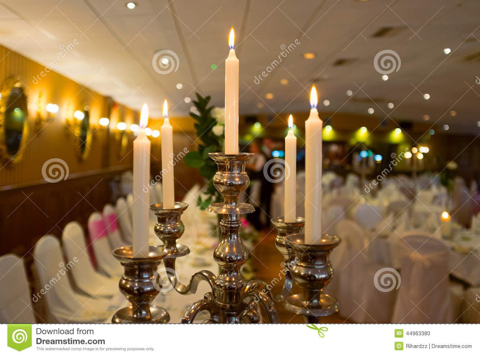 bougies dans le restaurant de luxe photo stock image. Black Bedroom Furniture Sets. Home Design Ideas