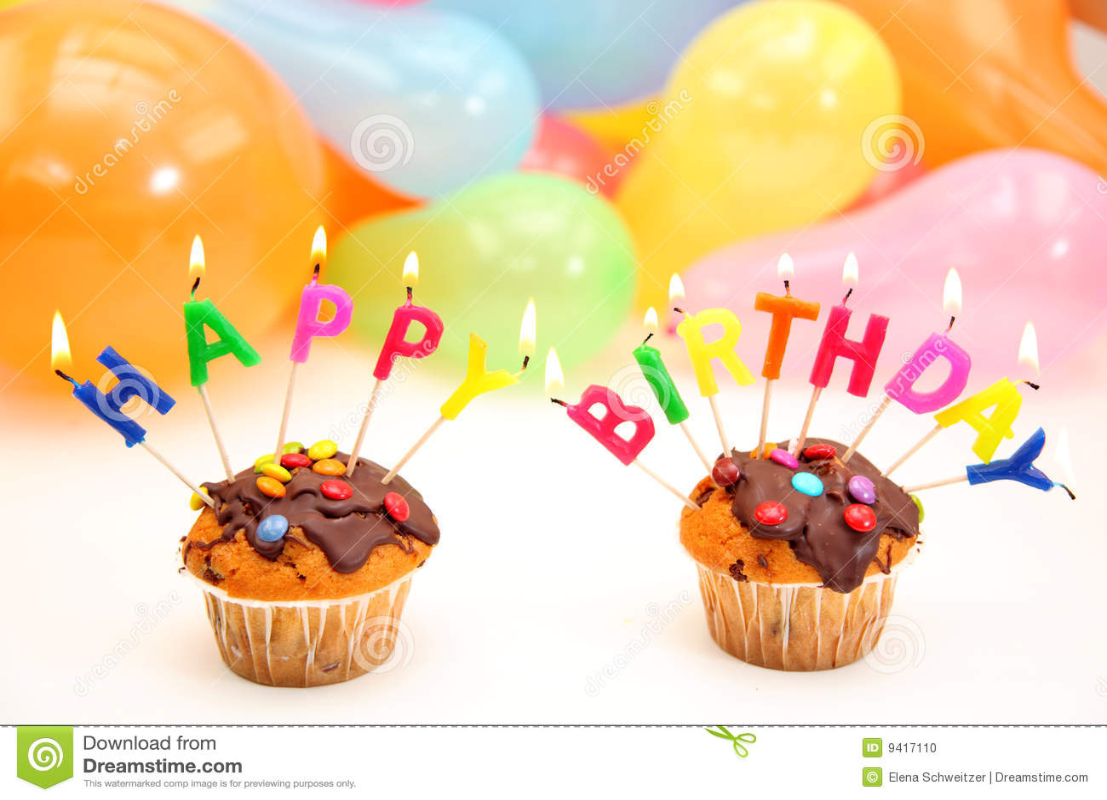 Bougies de lettre de joyeux anniversaire