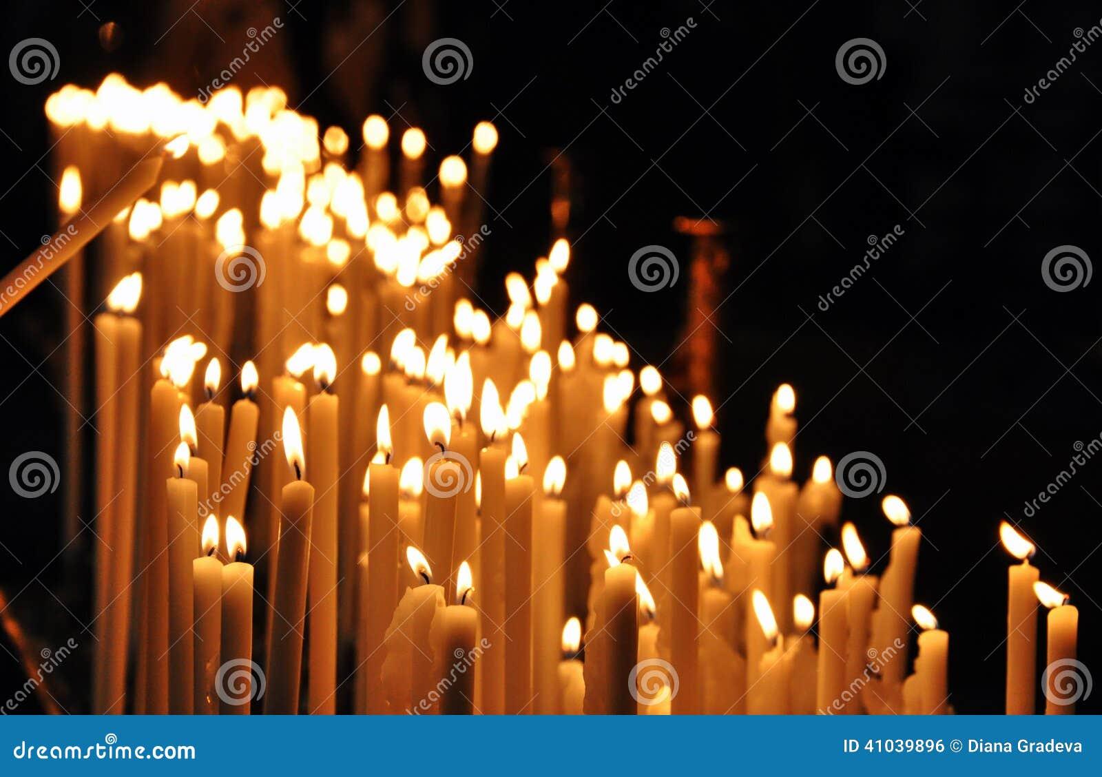 Bougies de prière d église