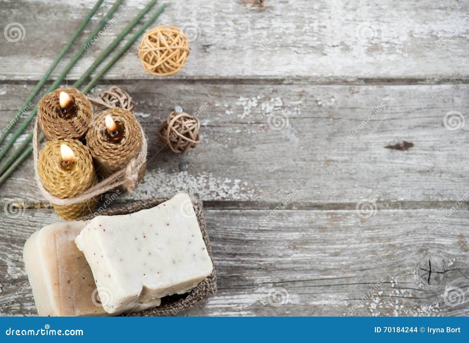 Bougies olives naturelles de savon et de miel