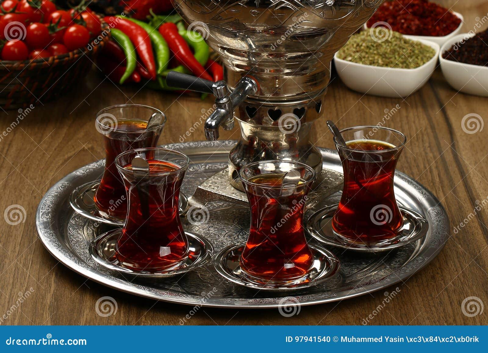 Bouilloire et thé