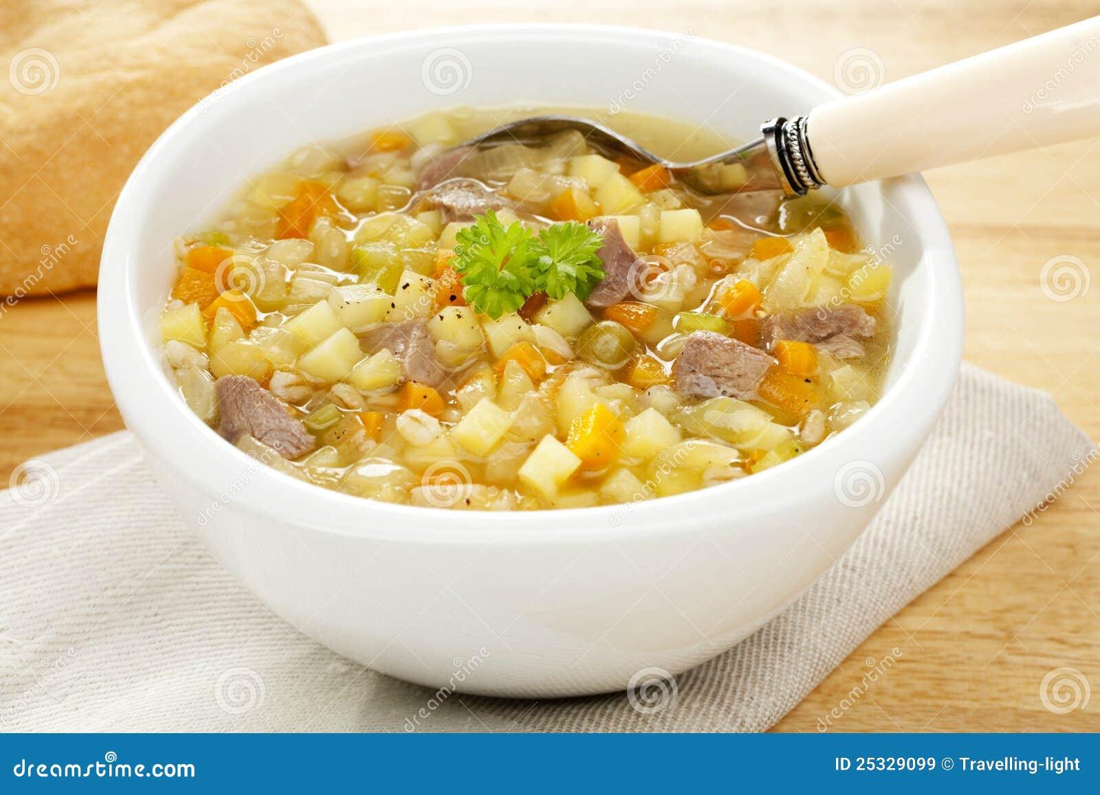 Bouillon écossais de potage aux légumes