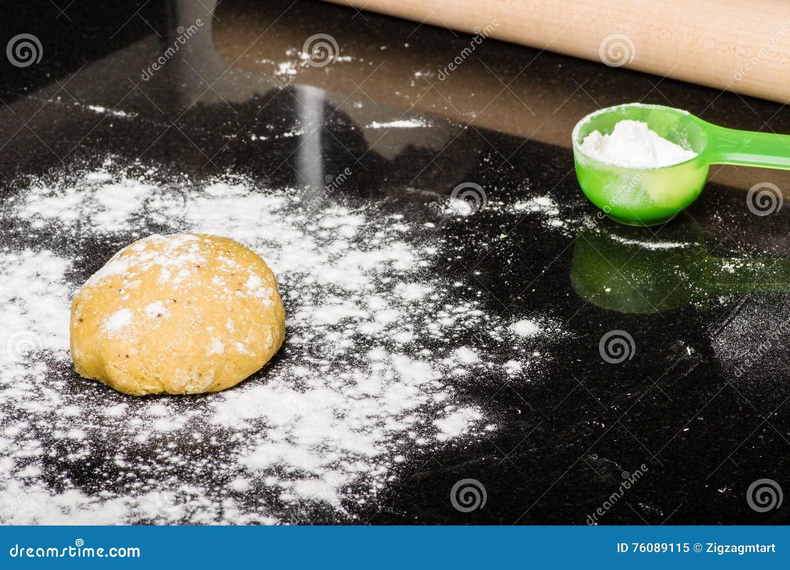 Boule de la pâte prête à former
