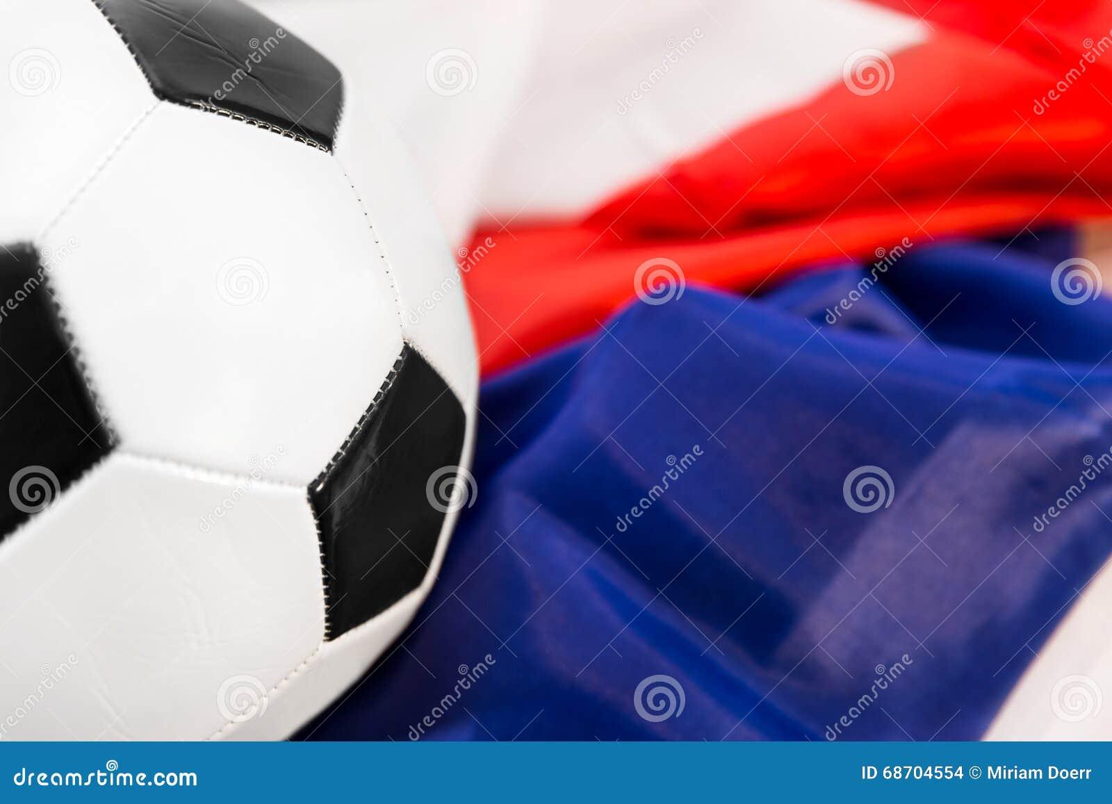 Boule sur un drapeau français