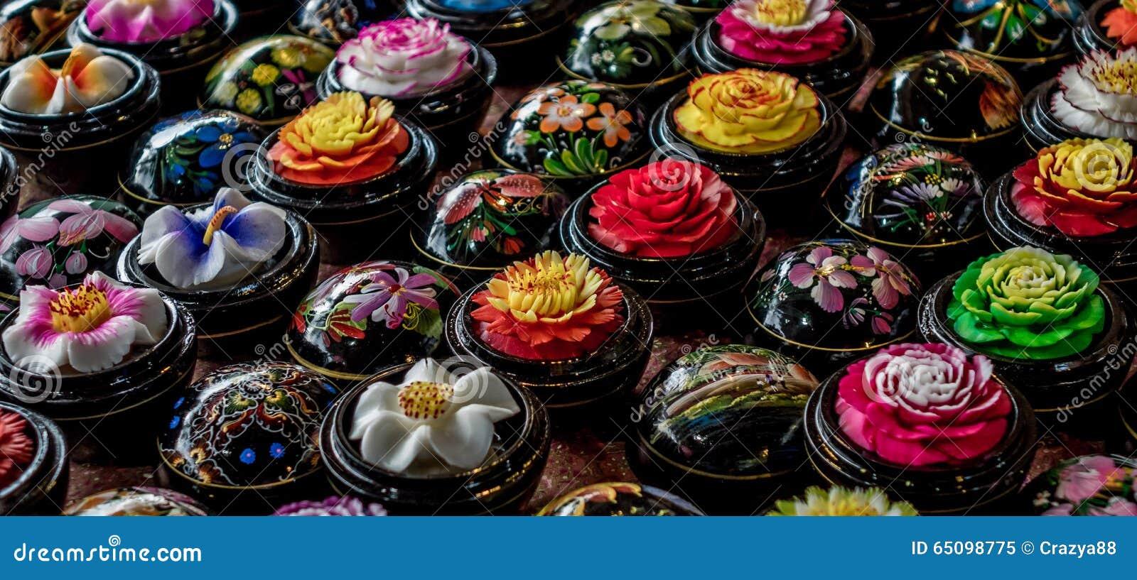 Boules d coup es de fleur de savon tha lande photo stock for Bouquet de fleurs savon