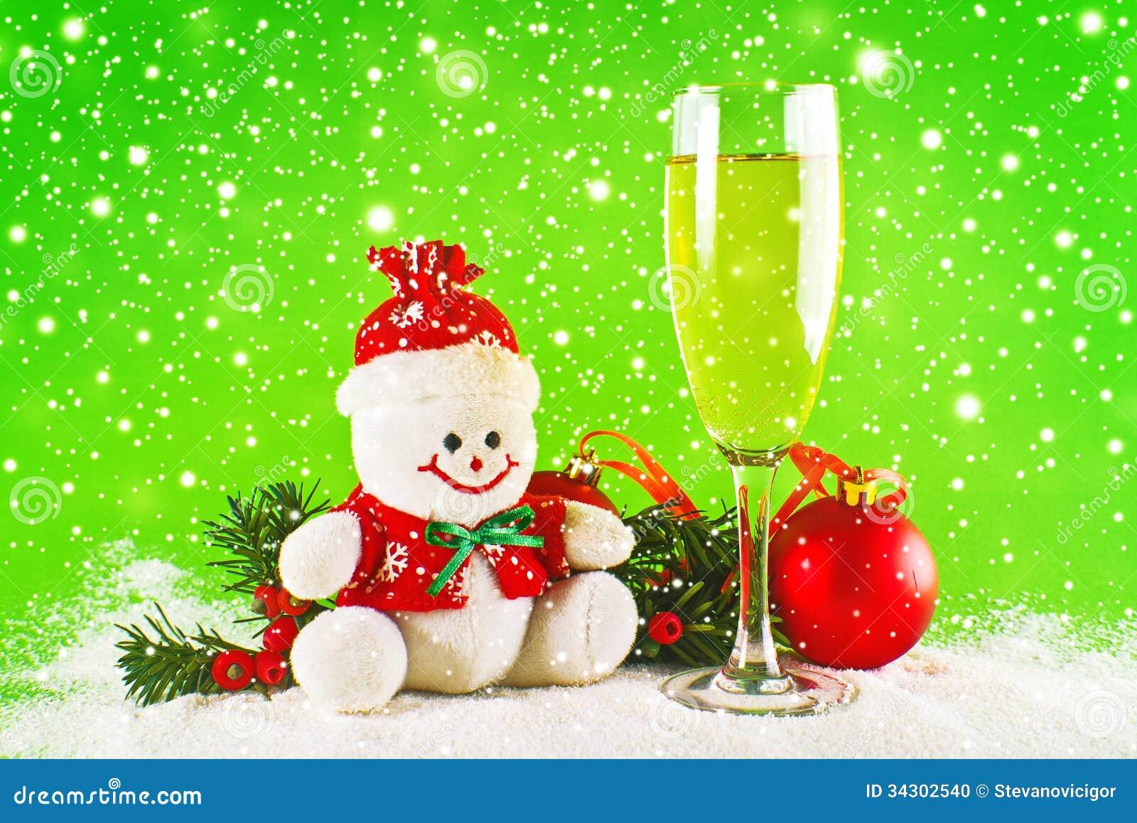 Boules de no l verre de vin et bonhomme de neige de laine photo stock image 34302540 - Bonhomme de neige en laine ...