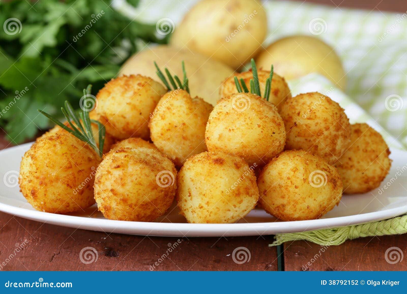 boules frites de pomme de terre croquettes photo stock image 38792152. Black Bedroom Furniture Sets. Home Design Ideas