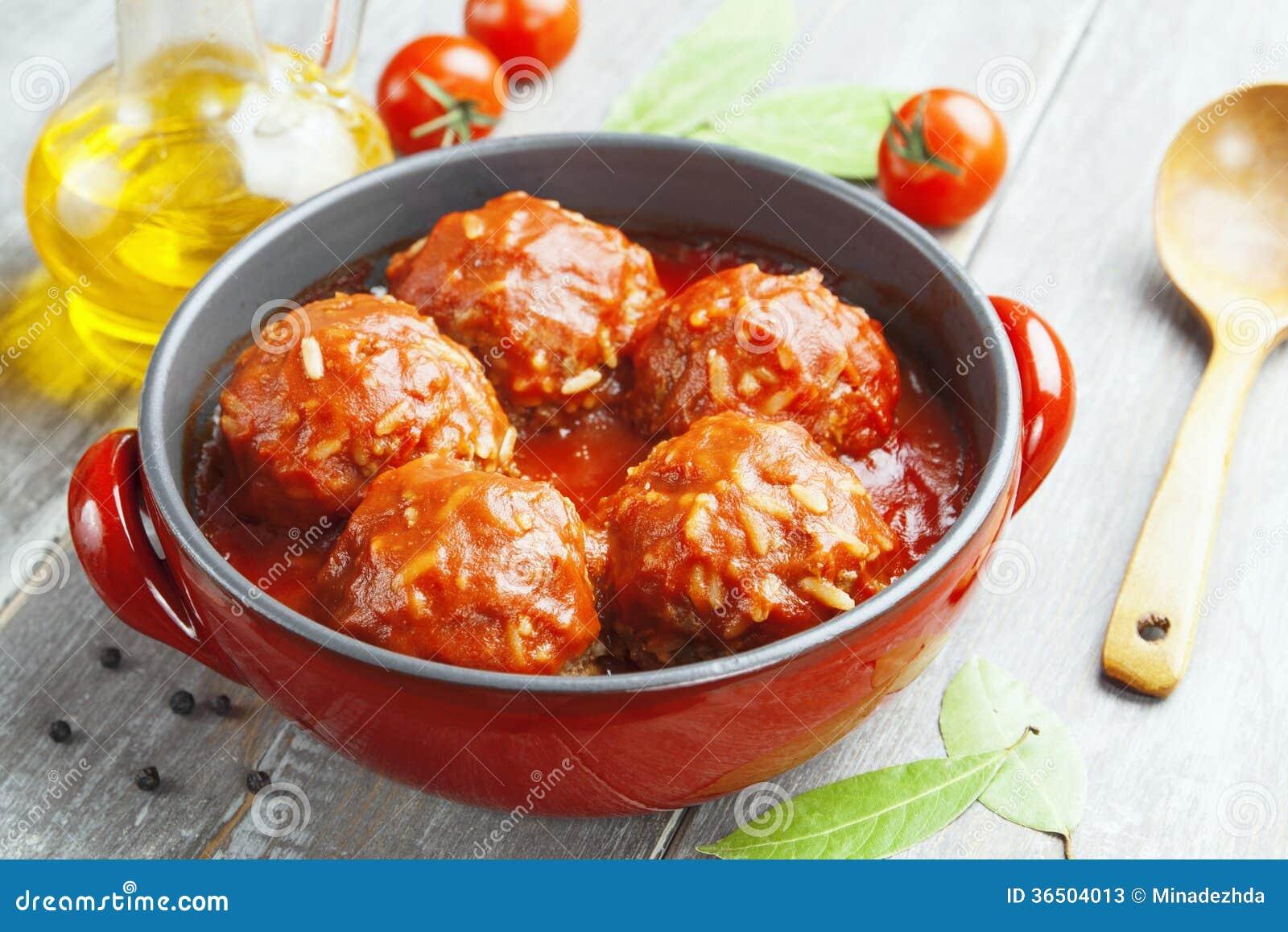 Boulettes de viande avec du riz