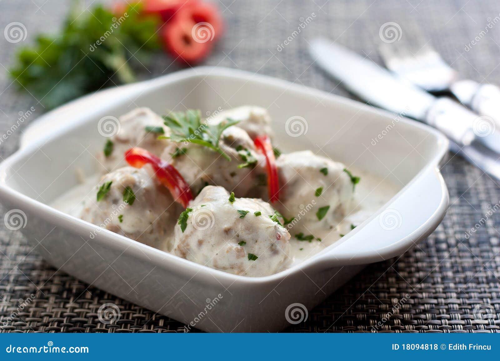 Boulettes de viande en sauce blanche photos libres de droits image 18094818 - Boulette de viande en sauce ...