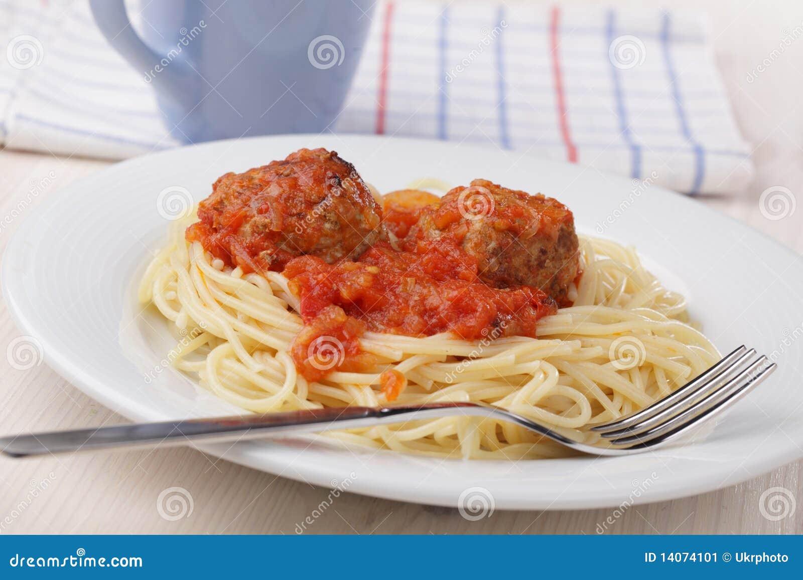 Boulettes de viande et spaghetti