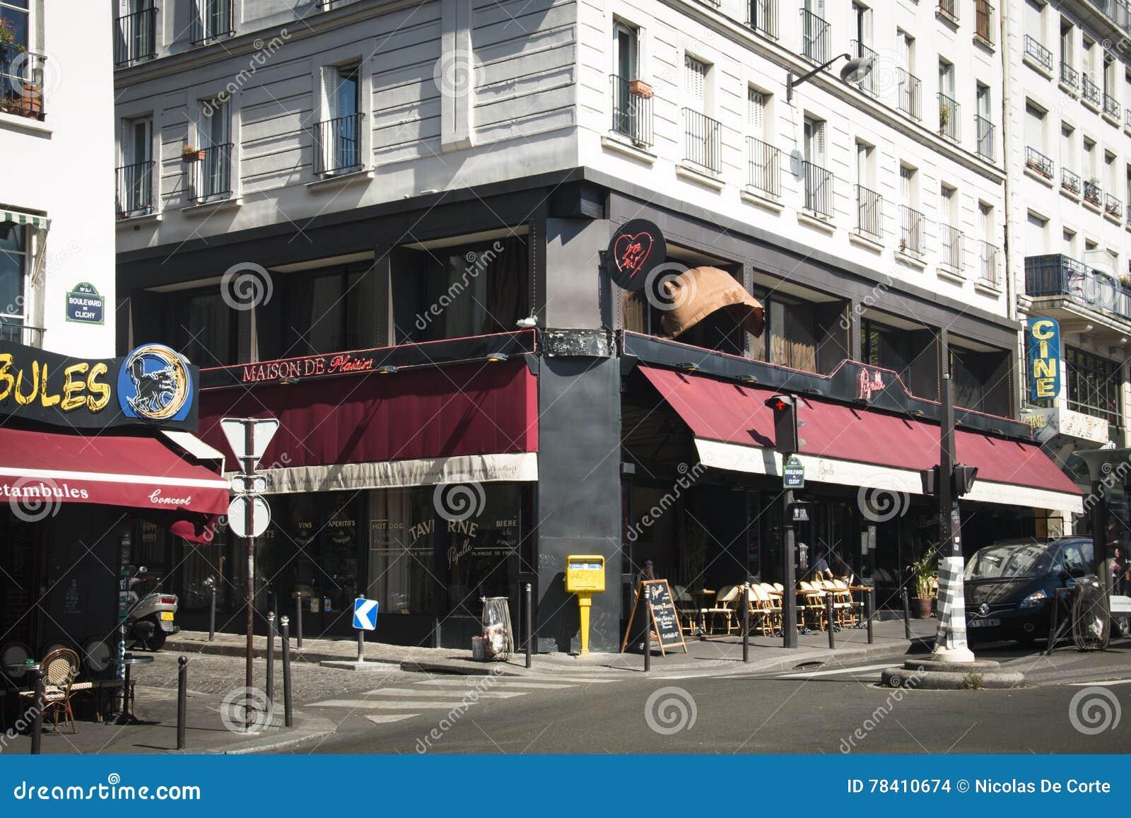 Boulevard DE Clichy In Parijs, Frankrijk Redactionele ...
