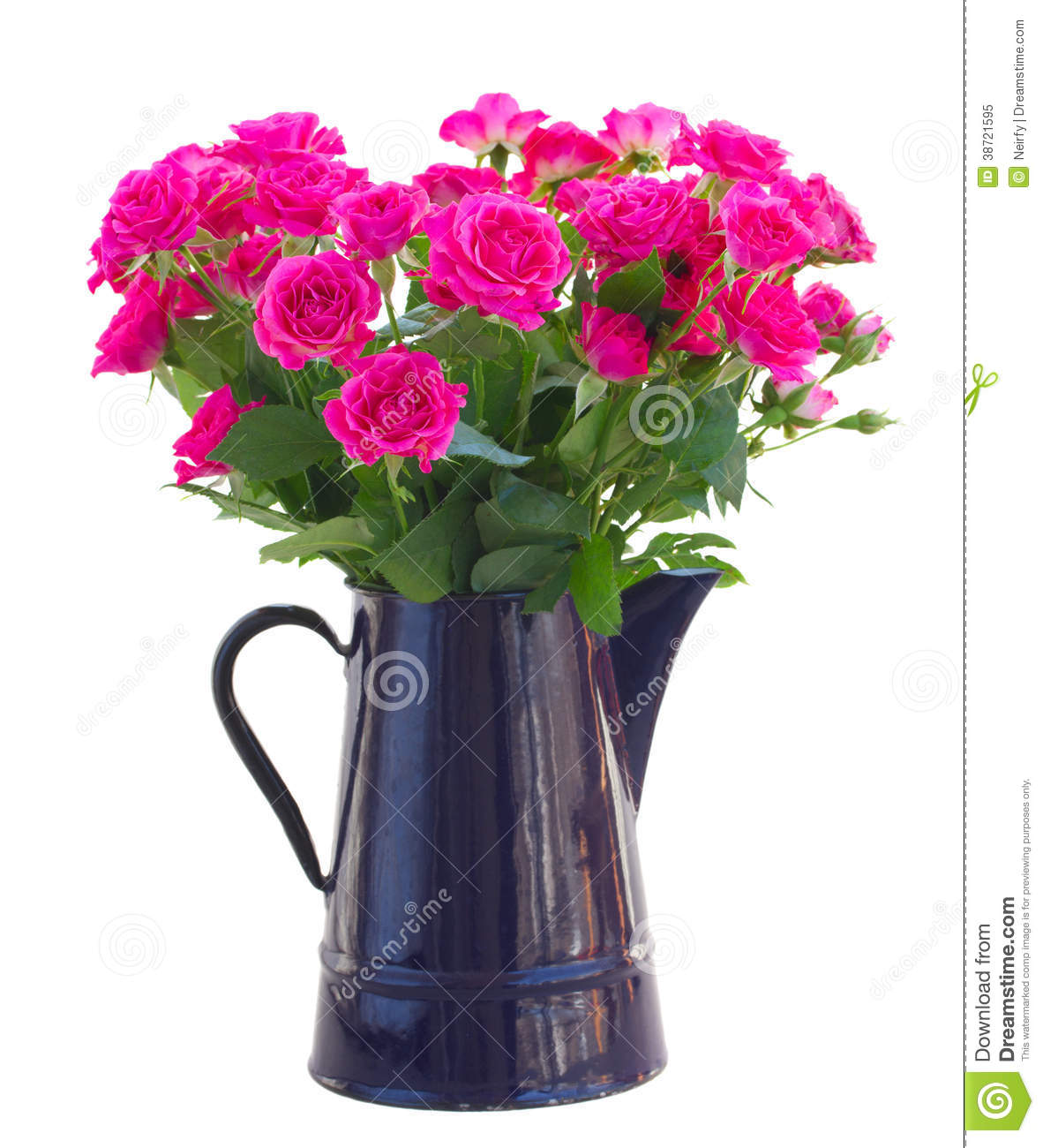 Bouquet of blossoming pink roses in vase