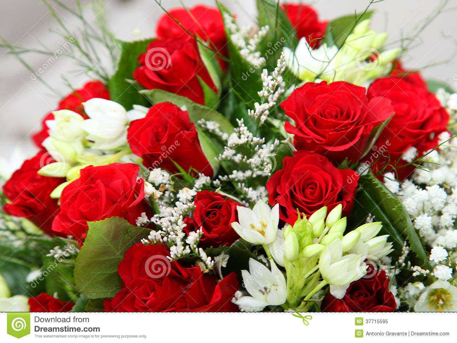 Bouquet de fleur des roses rouges photo libre de droits for Bouquet de fleurs lumineux
