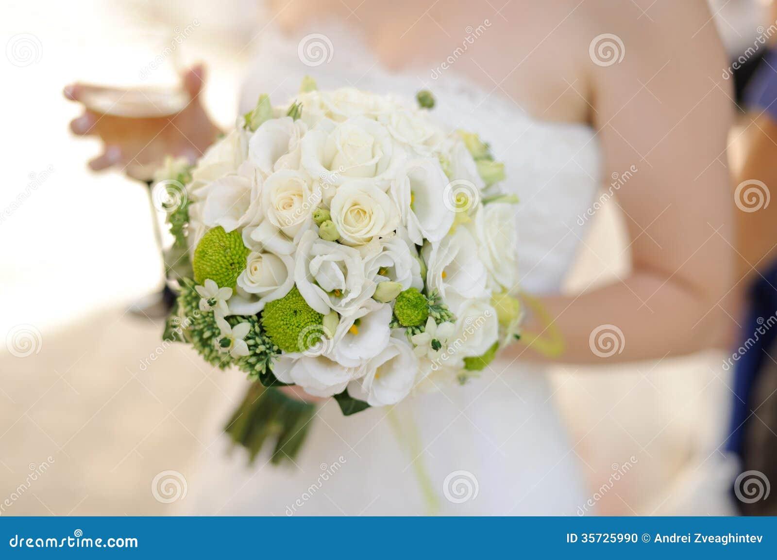 Bouquet de mariage photo stock image 35725990 for Prix bouquet de fleurs