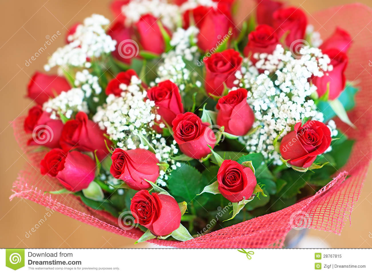 Bouquet des roses rouges image stock image du glorieux for Bouquet de rose