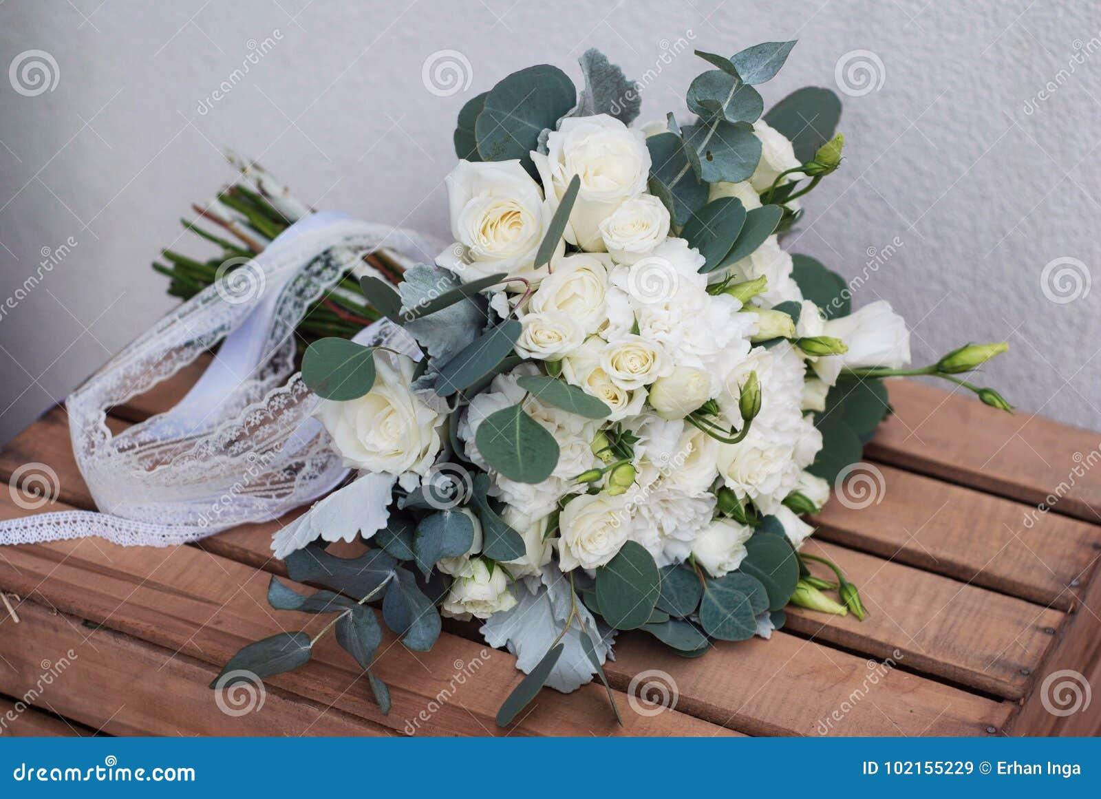 Feuille D Eucalyptus Bouquet bouquet européen blanc nuptiale avec des feuilles d