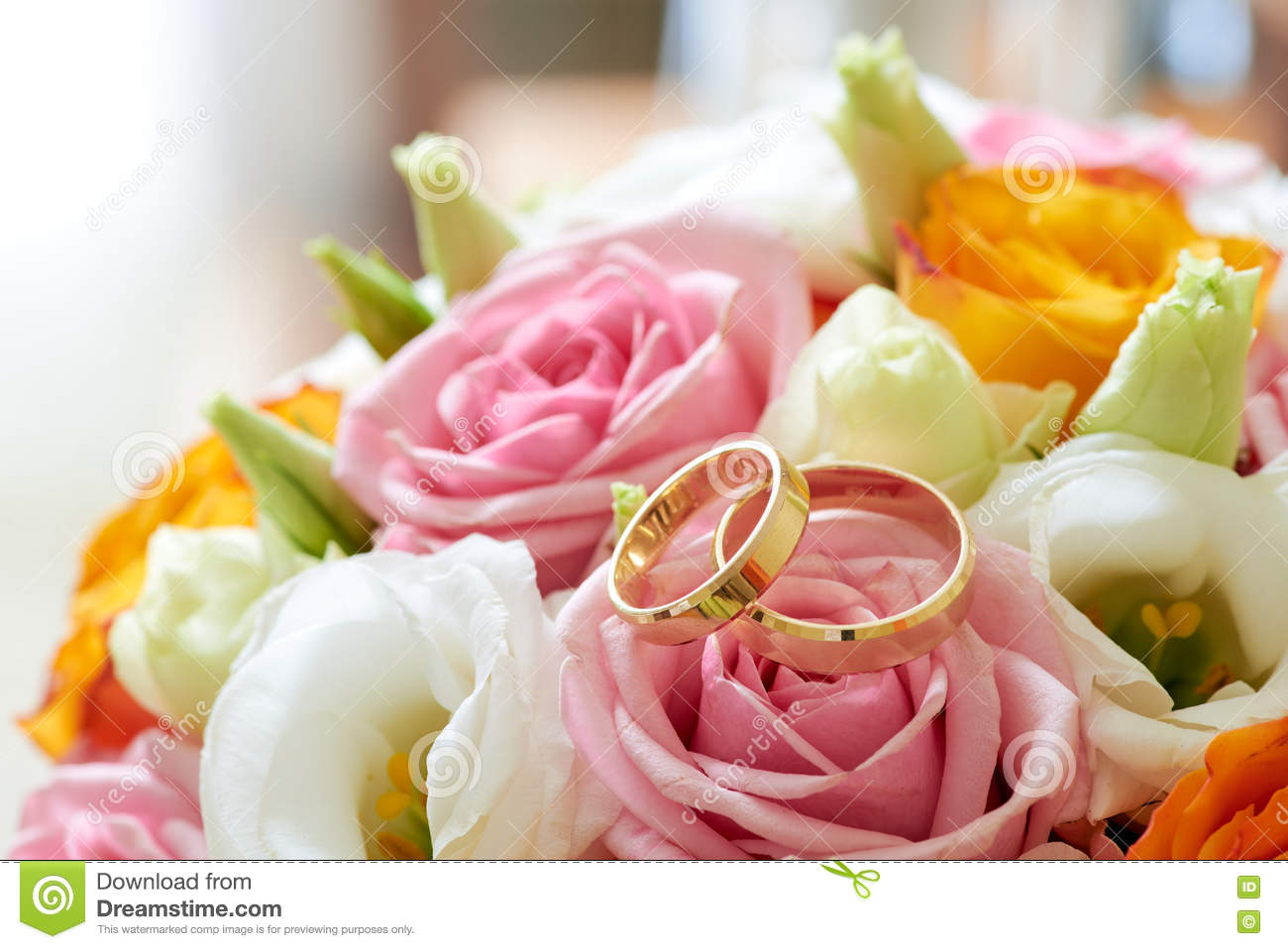 Bouquet Flowers And Weddings Rings Stock Image - Image of engagement ...