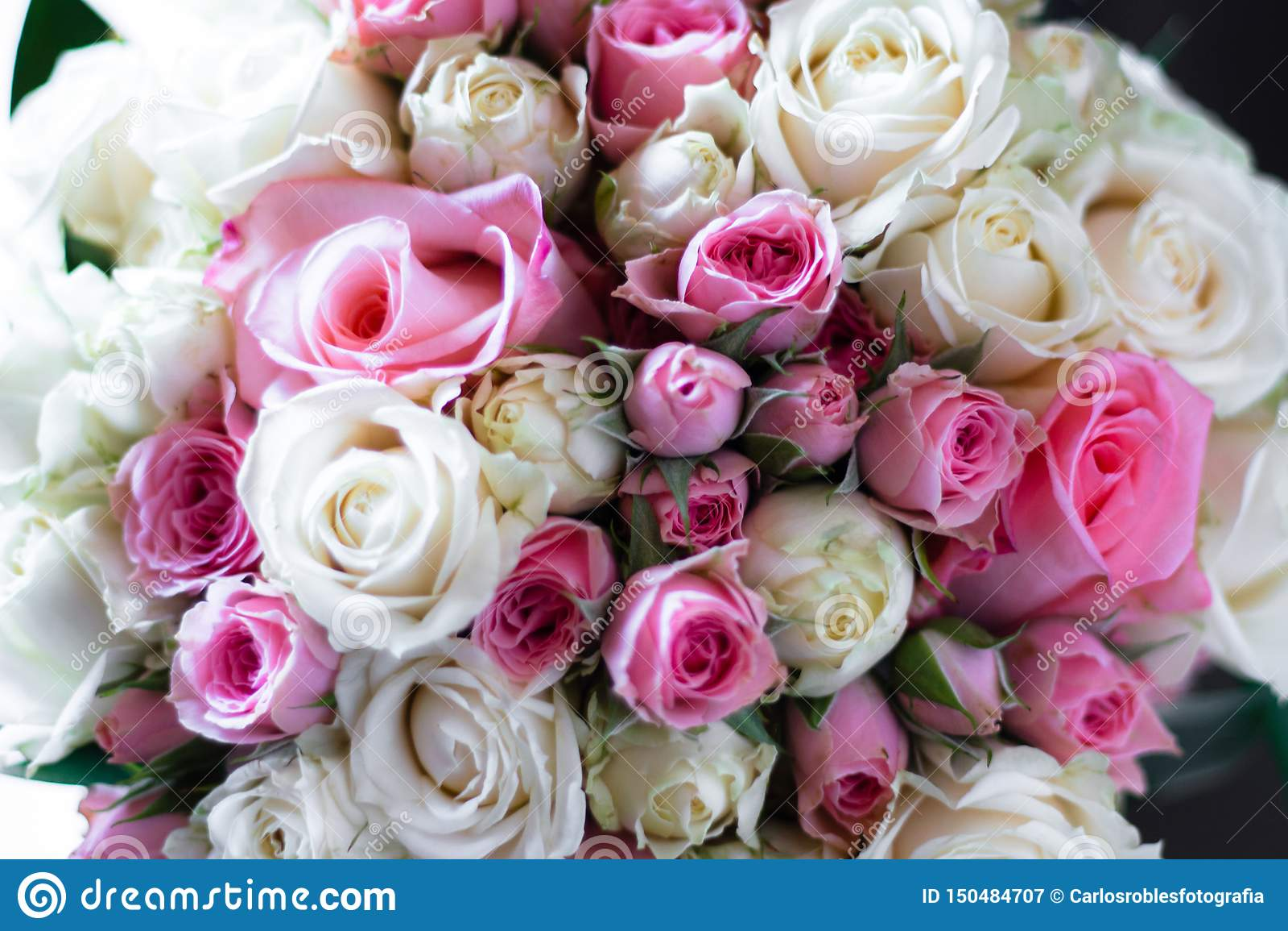 Bouquet nuptiale de blanc et de rose