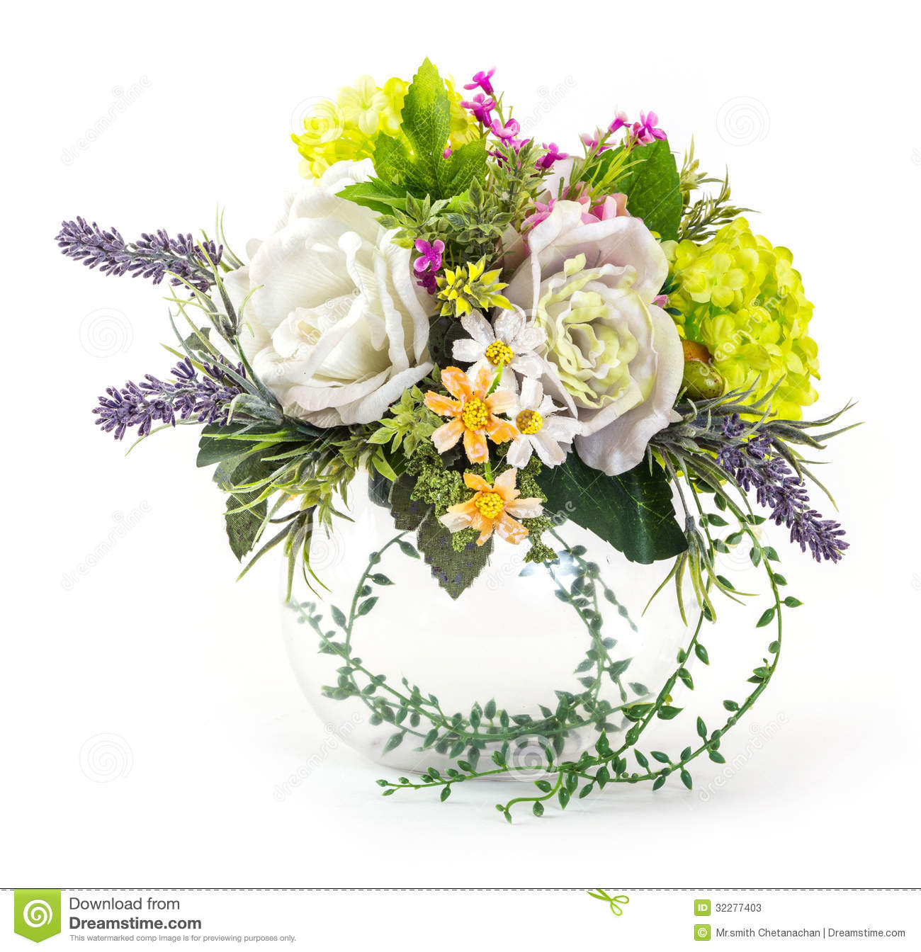 bouquet of rose and hydrangea in glass vase stock image image 32277403. Black Bedroom Furniture Sets. Home Design Ideas