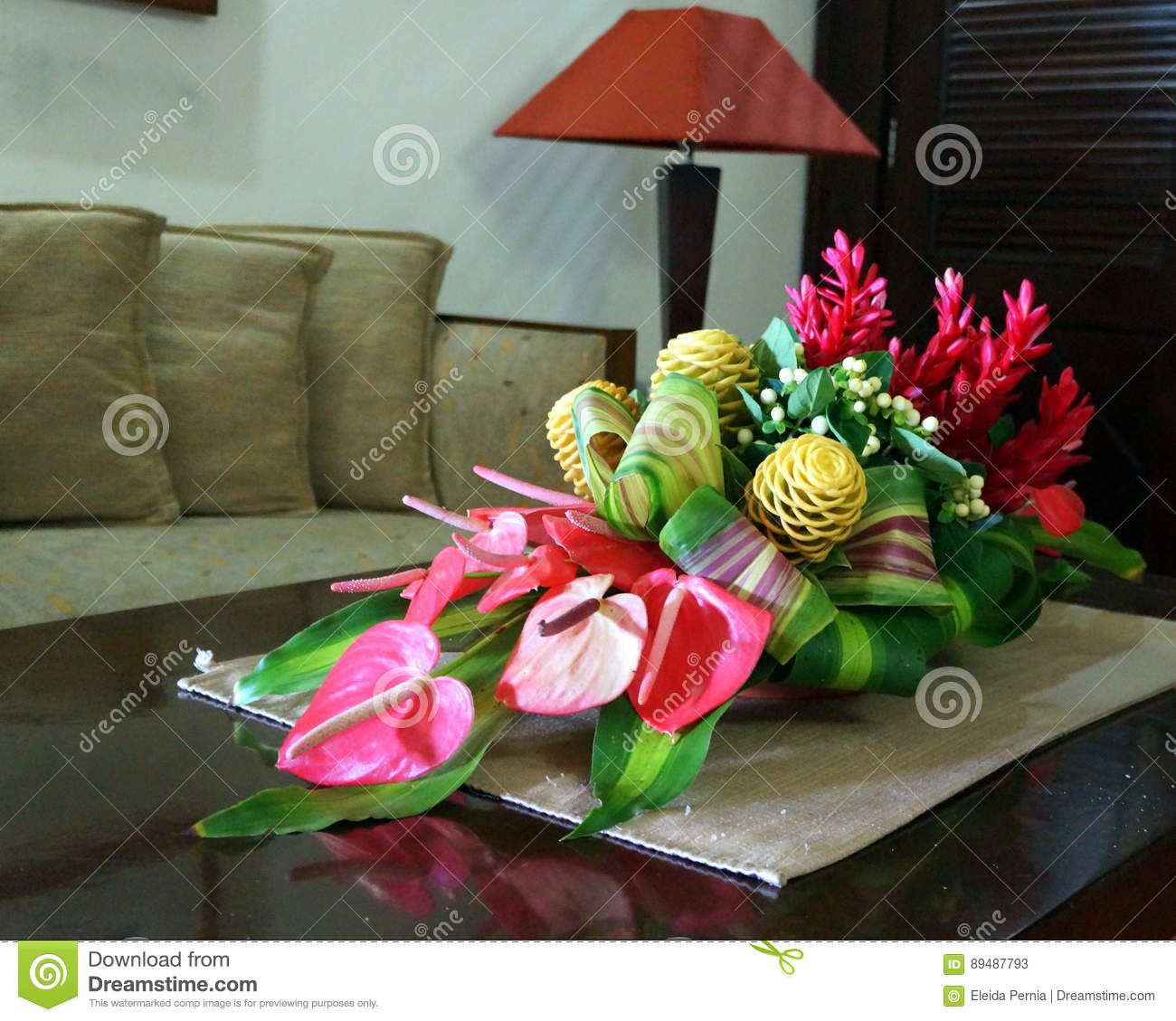 bouquets des fleurs exotiques image stock image du tropical fleurs 89487793. Black Bedroom Furniture Sets. Home Design Ideas
